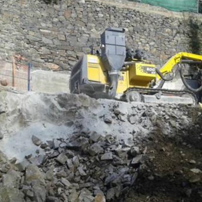EXCAVATION OF PLOT ON CARRER LA LLACUNA